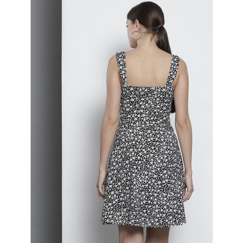 DOROTHY PERKINS Women Black & White Floral Print Fit & Flare Dress