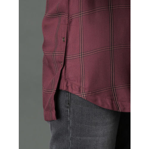 Roadster Women Burgundy & Black Relaxed Fit Checked Longline Shirt