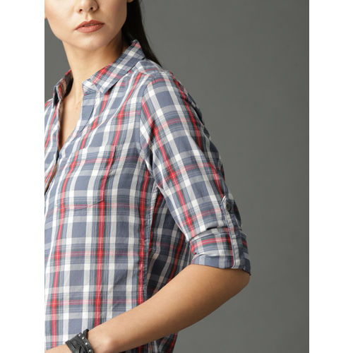 Roadster Women Blue & White Slim Fit Checked Casual Shirt
