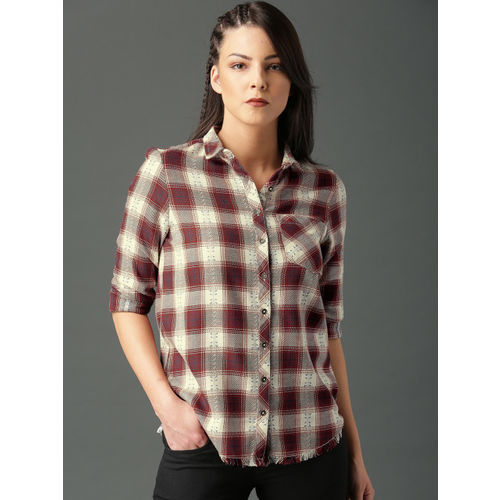 Roadster Women Off-White & Maroon Regular Fit Checked Casual Shirt