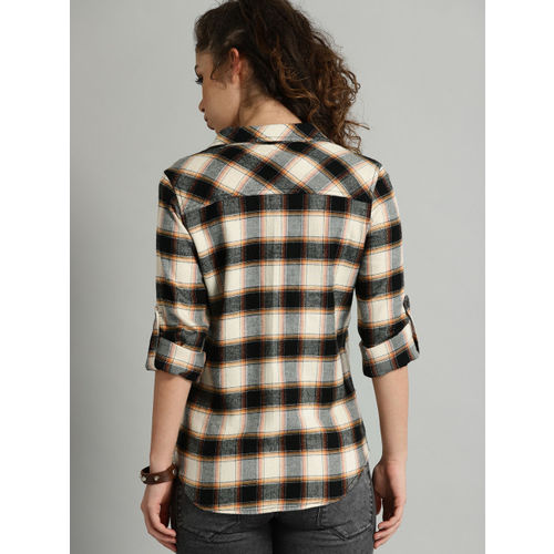 Roadster Women Black & Cream-Coloured Regular Fit Checked Casual Shirt