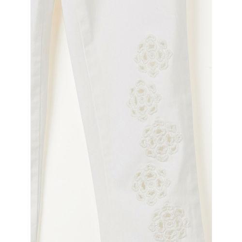 Bossini Girls White Regular Fit Embroidered Regular Trousers