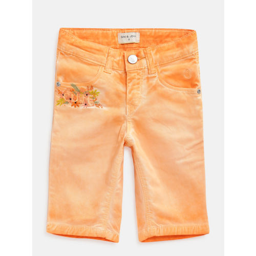 Gini and Jony Girls Peach-Coloured Solid Regular Fit Capris