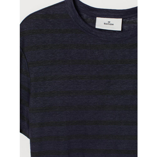 H&M Men Black Solid Linen T-shirt