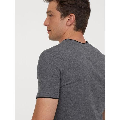H&M Men Grey Solid V-neck T-shirt Muscle Fit