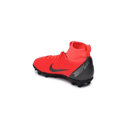 Nike Kids Red SUPERFLY 6 CLUB CR7 IC Junior Football Shoes