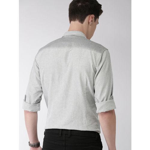 Mast & Harbour Men White & Black Slim Fit Striped Casual Shirt