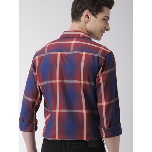 Mast & Harbour Men Maroon & Navy Blue Regular Fit Checked Casual Shirt