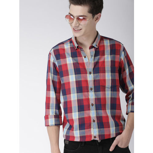 Mast & Harbour Men Navy Blue & Red Regular Fit Checked Casual Shirt