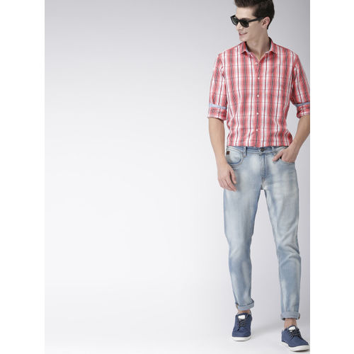 Mast & Harbour Men Coral Pink & Black Regular Fit Checked Casual Shirt