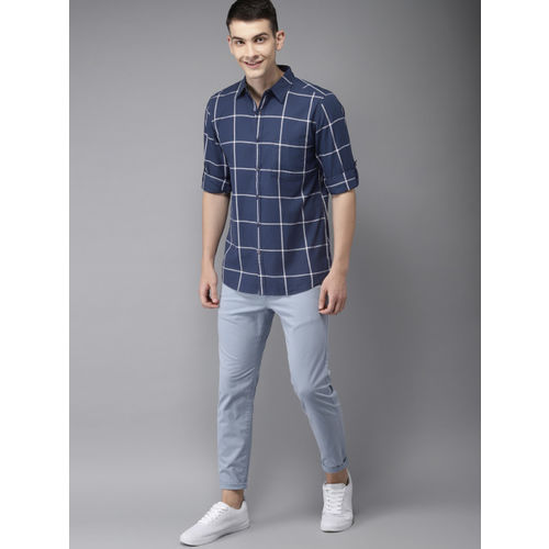 HERE&NOW Men Navy Blue & White Regular Fit Checked Casual Shirt