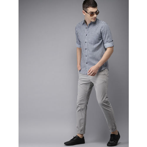 HERE&NOW Men Navy Blue & White Regular Fit Striped Casual Shirt