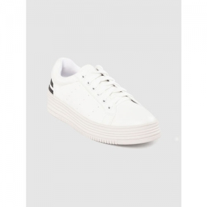 Tresmode Women White Solid Flatforms Sneakers