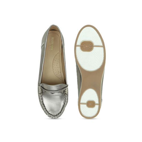 SCENTRA Women Gunmetal-Toned Loafers