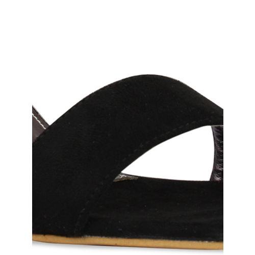 pelle albero Women Black Solid Heels