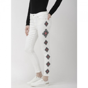 Levis Women White 711 Skinny Fit Mid-Rise Clean Look Stretchable Embroidered Jeans