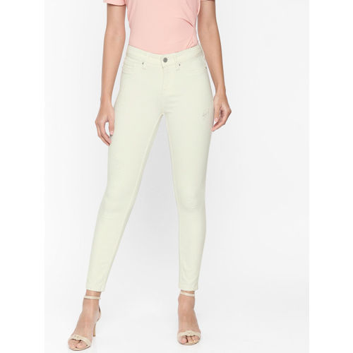 Vero Moda Women Cream-Coloured Skinny Fit Mid-Rise Low Distress Stretchable Cropped Jeans