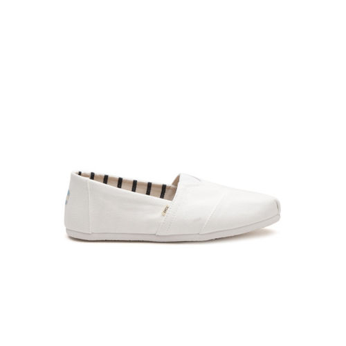 TOMS Men White Solid Slip-On Sneakers