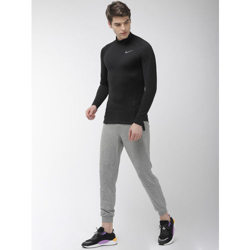 Nike Men Black Solid Slim Fit AS M NP THRMA TOP LS Dri-Fit Round Neck Training T-shirt