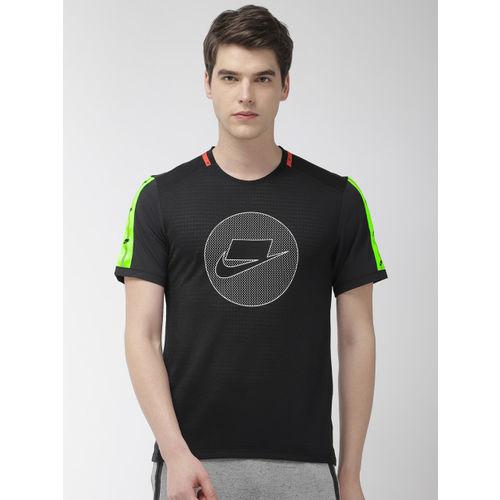 Nike Men Black Printed Standard Fit AS WILD RUN DRI-FIT TOP SS Round Neck Running T-shirt