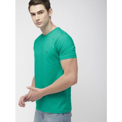 Tommy Hilfiger Men Green Solid Round Neck T-shirt