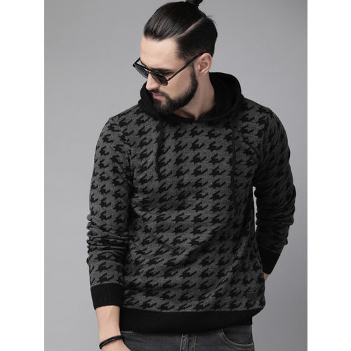 Roadster Men Grey & Black Woven Design Sweater