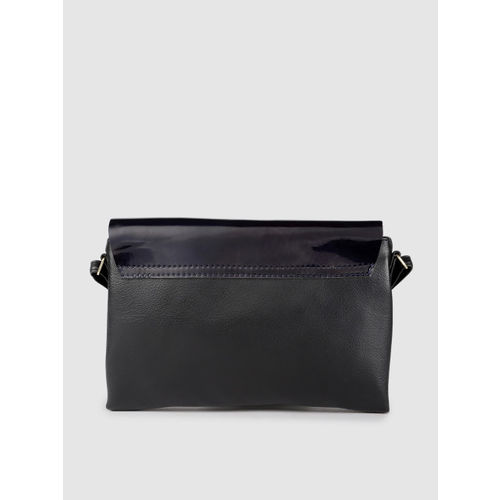 Baggit Black Solid Sling Bag