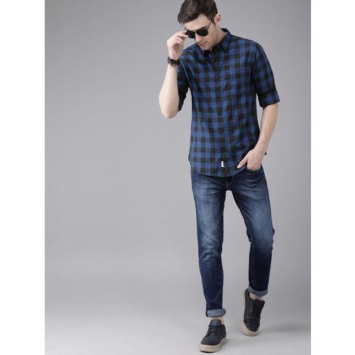 Roadster Men Blue & Black Regular Fit Checked Casual Shirt