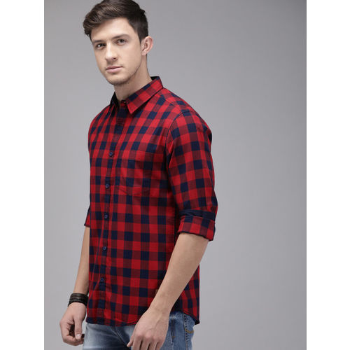 Roadster Men Red & Navy Blue Checked Casual Shirt