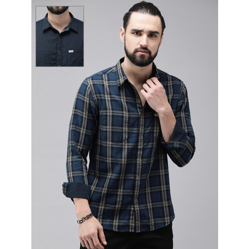 Roadster Men Navy Blue & Black Regular Fit Checked Casual Reversible Shirt