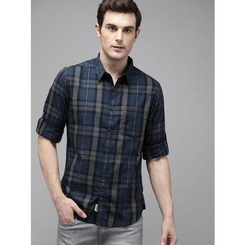 Roadster Men Black & Blue Checked Regular Fit Casual Shirt