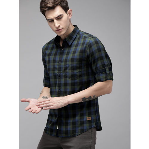 Roadster Men Black & Green Checked Regular Fit Casual Shirt