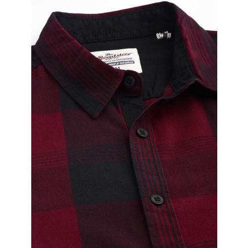 Roadster Men Maroon & Black Regular Fit Checked Casual Shirt