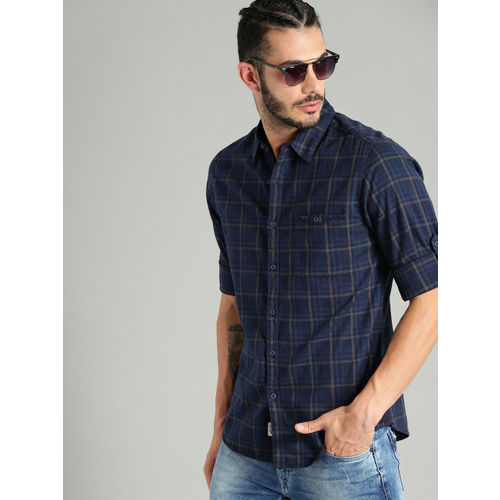 Roadster Men Navy Blue & Brown Regular Fit Checked Casual Shirt