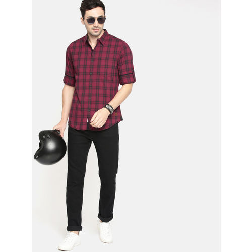 Roadster Men Maroon & Black Checked Casual Shirt