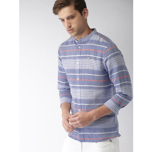 Tommy Hilfiger Men Blue & White Regular Fit Striped Casual Shirt