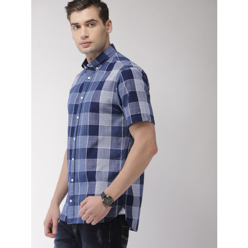 Tommy Hilfiger Men Navy Blue & Off-White Regular Fit Checked Casual Shirt