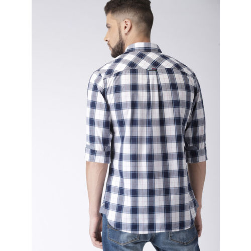 Tommy Hilfiger Men Blue & Red Checked Casual Shirt