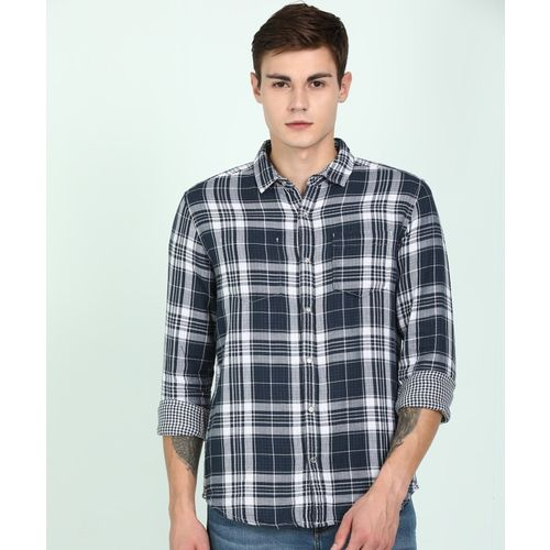 Wrangler Men Checkered Casual White, Dark Blue Shirt