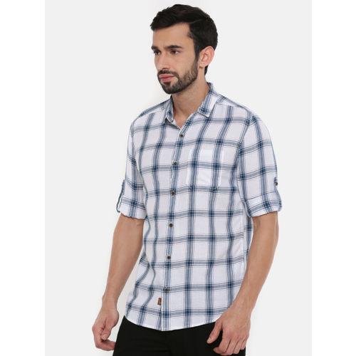 Wrangler Men White & Navy Blue Regular Fit Checked Casual Shirt