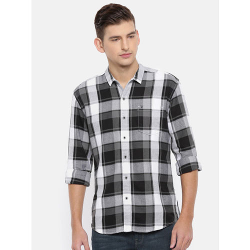 Wrangler Men Black & White Slim Fit Checked Casual Shirt