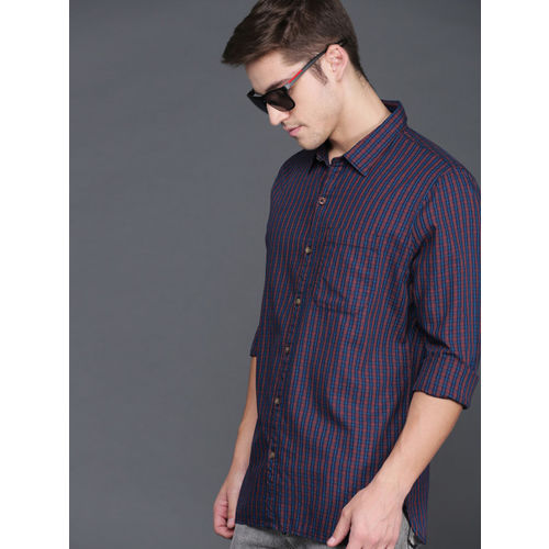 WROGN Men Navy Blue & Red Slim Fit Checked Casual Shirt