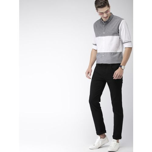 Mast & Harbour Men Checkered Casual White Shirt