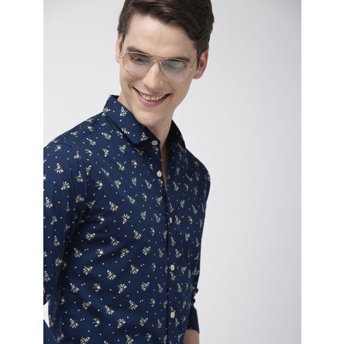 Mast & Harbour Men Navy Blue & Off-White Regular Fit Printed Casual Shirt