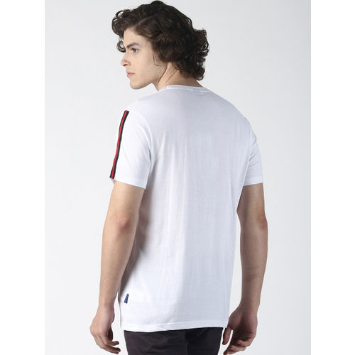 Blue Saint Men White Solid Round Neck T-shirt