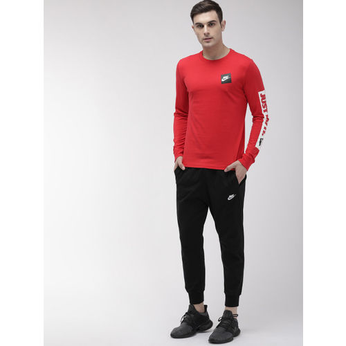 Nike Men Red Solid Round Neck Standard Fit AS M NSW LS T-shirt