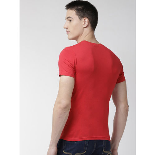 GUESS Men Red Solid Round Neck T-shirt