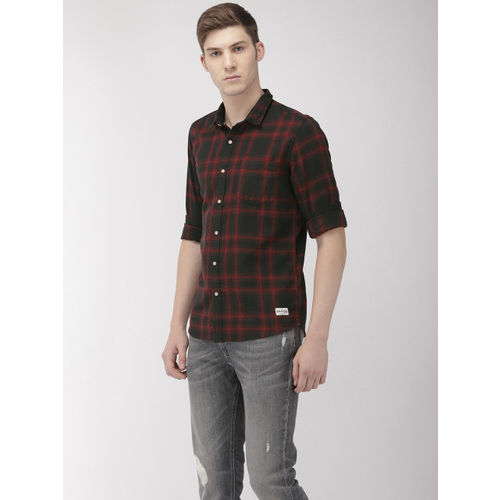 Flying Machine Men Black & Red Slim Fit Checked Casual Shirt