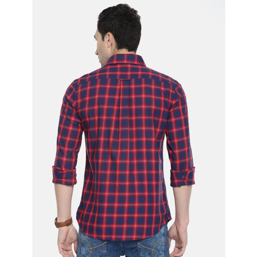 U.S. Polo Assn. Men Red & Navy Blue Tailored Fit Checked Casual Shirt