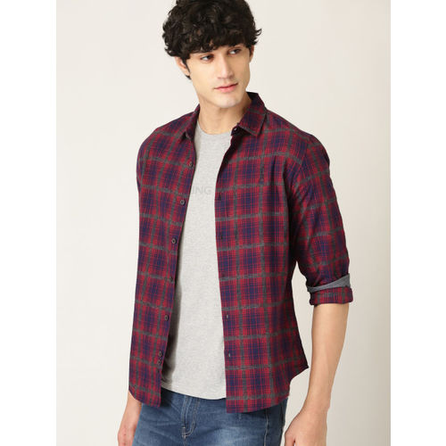 United Colors of Benetton Men Red & Navy Blue Slim Fit Checked Casual Shirt